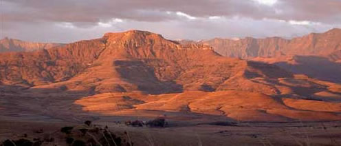 Panoramic Views of the Drakensberg